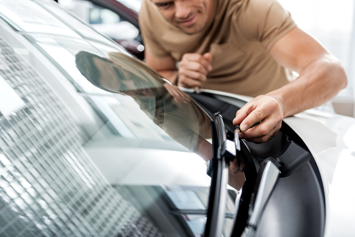 Signs That You Need Your Wiper Blades Replaced