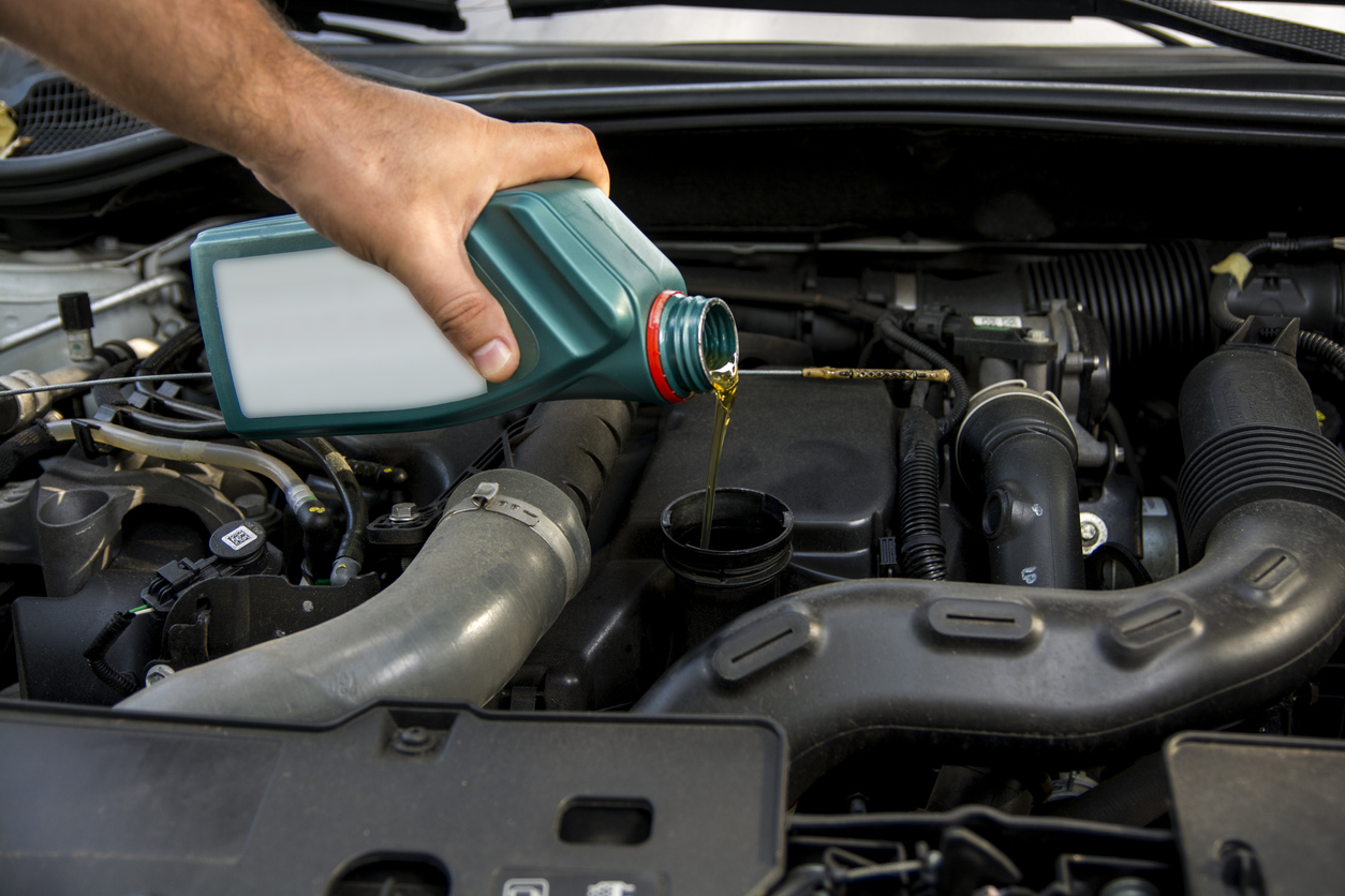 5 Signs that your Car Oil Needs To Be Changed