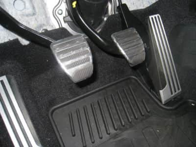 The Biggest Mistakes New Drivers Make With Their Clutch Pedal