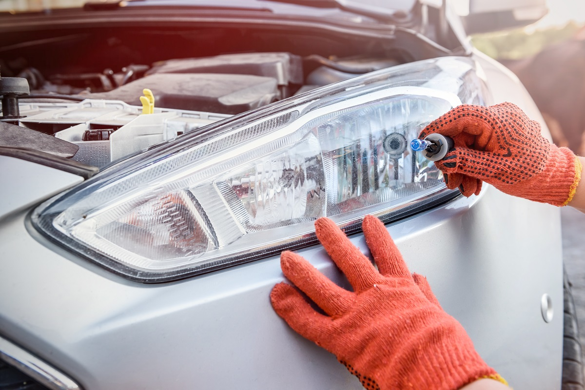 How Much Is It to Replace a Headlight Bulb?