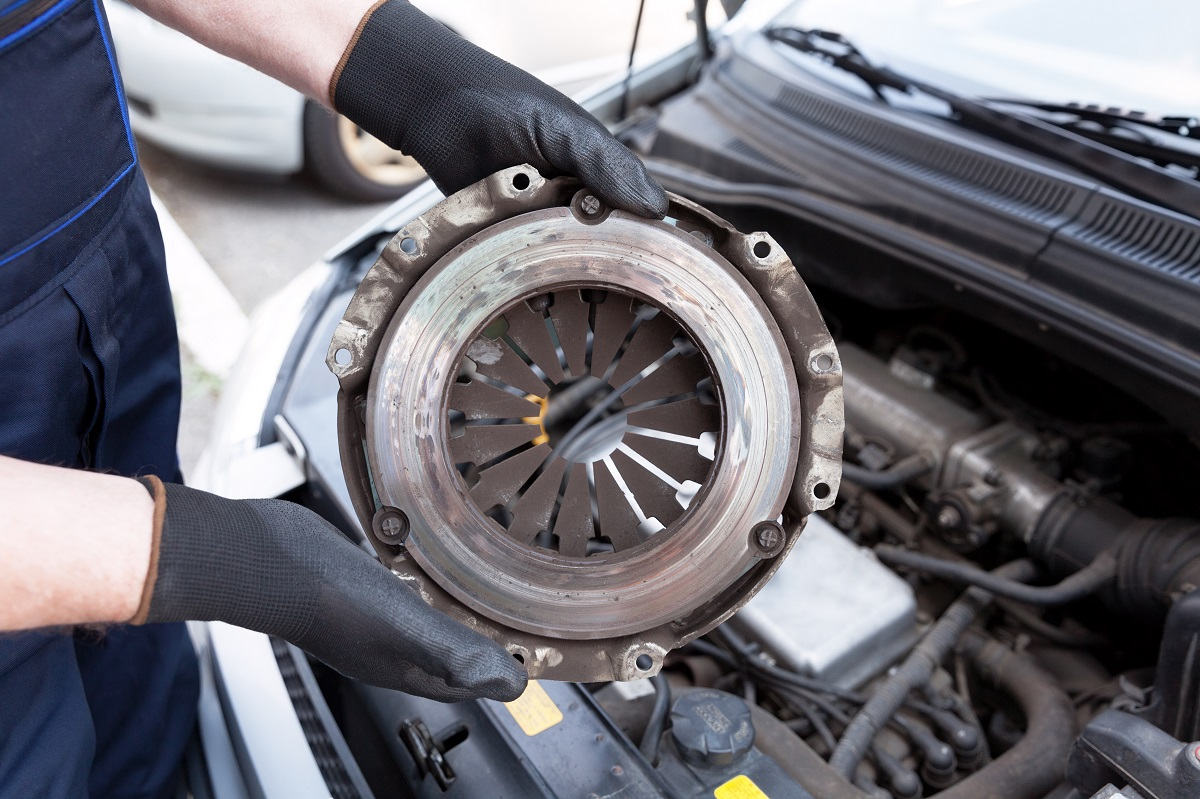 How to Prevent Wear and Tear of your Clutch